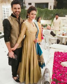 Vivek Dahiya and Divyanka Tripathi Dahiya DiVek Indian Gowns, Indian Attire, Pakistani Dresses, Indian Wear, Indian Outfits, Indian Clothes, Pakistani Bridal, Kurta Designs, Blouse Designs