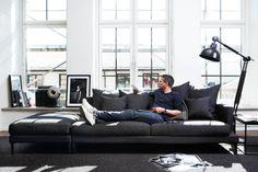 Urban sofa i Oslo Sofa Design, Furniture Design, Style At Home, Lila Sofa, Interior Architecture, Interior And Exterior, Futuristic Home, Urban Loft, Living Room Interior