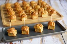 Petites bouchées bacon/parmesan | Guy Demarle Entrees, Buffet, Cereal, Cheesecake, Brunch, Nutrition, Cooking, Breakfast, Parmesan