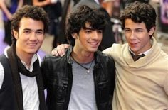 Kevin Jonas Wife Pregnant, Jonas Brothers Celebrate