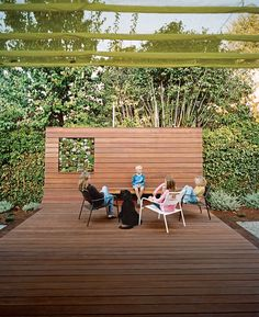 An angled deck transforms a backyard in Menlo Park, California, into a welcoming gathering spot.