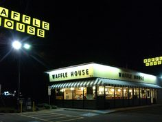 Police are investigating an incident caught on video in which a local police officer can be seen choking a young black man outside a Waffle House restaurant in North Carolina.Anthony Wall, was at a local Waffle House on May 5 after bringing his … Good Breakfast Places, Breakfast For Dinner, Best Breakfast, Waffle House Menu, What A Country, Icebox Pie, Dining Services, Places In America, Hurricane Sandy