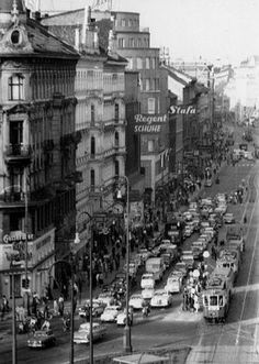 Light Rail, Old Photographs, Back In Time, Vienna, Street View, History, Architecture, Vintage, Historical Photos