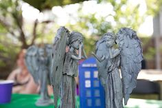 Turn Old Barbie Dolls Into Dr Who Weeping Angels. This pin is Brilliant. Dr Who, Doctor Who Party, Don't Blink, Barbie Dolls, Blythe Dolls, Fashion Dolls, Just In Case, Weeping Angels, Diys
