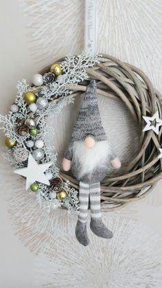 Christmas Time, Xmas, Christmas Inspiration, Gnomes, Pokemon, Christmas Decorations, Wreaths, Crafts, Diy