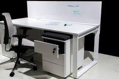 Biurko bardzo praktyczne i szafka podbiurkowa do biura
