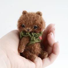 Artist teddy bears patterns PDF, DIY stuffed toys kits by TSminibears Sewing Kits, Sewing Patterns, Miniature Rabbits, Chocolate Wrapping, Bear Cubs, Silk Ribbon Embroidery, Stuffed Toys Patterns, Craft Kits, Teddy Bears