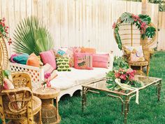 60 Ideas For Tropical Bridal Shower Chair Tropical Interior, Tropical Home Decor, Tropical Colors, Tropical Party, Tropical Houses, Tropical Furniture, Bridal Shower Chair, Baby Shower, Wedding Lounge