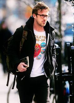 Ryan Gosling. Fuck! He is so ideal that I don't have anything to say! Book, glasses, silly print on t-shirt...fuck fuck I need it all right now! 사설카지노 SK8000.COM 사설카지노