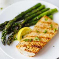 Easy Grilled Mahi Mahi Recipe - simple and delicious way to prepare white fish. Served with grilled asparagus or other vegetables of your choice. Paired with a glass of Vinho Verde Estreia. Perfect for Summer, Grilling Season and of July! Grilled Fish Recipes, Salmon Recipes, Grilling Recipes, Seafood Recipes, Soup Recipes, Cooking Recipes, Healthy Recipes, Tilapia Recipes, Recipes For Mahi Mahi