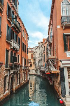 Lodging suggestions, finest neighborhoods and motels to remain in Venice for little – Italy. tips Places To Travel, Travel Destinations, Places To Visit, Europa Tour, Italy Tours, Travel Reviews, Famous Places, Travel Aesthetic, Venice Italy
