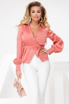 Camasa somon cu perle este o camasa eleganta si moderna. Camasa este accesorizata cu perle, decolteu generos ce iti ofera un look deosebit. Poart-o sub un sacou si vei obtine un look in tendinte. Blouse, Long Sleeve, Sleeves, Tops, Fashion, Bead, Moda, Long Dress Patterns, Fashion Styles