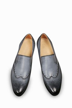 Brogue Elegant Dress Loafers In Gray. Free 3-7 days expedited shipping to U.S. Free first class word wide shipping. Customer service: help@moooh.net