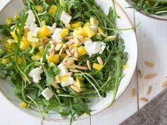 Avocado-Mango-Salat mit Rucola