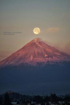 luna llena y el Popocatépetl