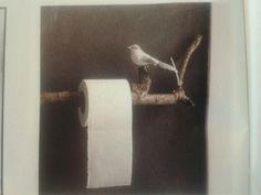 DIY Toiletrolhouder gemaakt van een tak, mét een vogeltje erop!