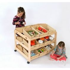 DOUBLE CLASSROOM TIDY WITH 18 WICKER BASKETS