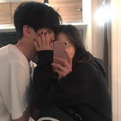 Image about couple in ( ulzzang ) by ; ⊹ ✧ on We Heart It Korean Girl Ulzzang, Couple Ulzzang, Mode Ulzzang, Couple Tumblr, Tumblr Couples, Couple Goals, Cute Couples Goals, Couple Aesthetic, Korean Aesthetic