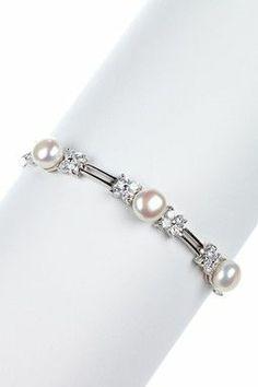 I would love to have this piece! I Love Jewelry, Pearl Jewelry, Beaded Jewelry, Jewelry Box, Jewelry Bracelets, Jewelery, Jewelry Design, Jewelry Making, Jewelry Ideas