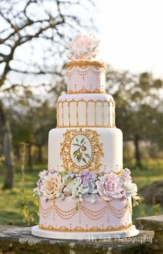 Wedding cakes - oooh yummy! | Nikki Kirk Photography