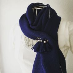 Deep blue baby alpaca handwoven scarf. #alpaca #handwoven #bluescarf #手織り #手織りマフラー #ユニセックス #ダークブルー  #ディープブルー #pinkoi #iichi #minne #creema