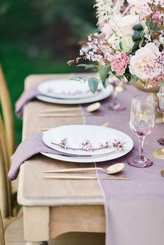 Absolutely in love with how GORGEOUS this wedding table setting is! Get inspired by this whimsical mauve and ivory gold themed wedding photoshoot.  #chicweddinginspiration #springweddingideas #weddingphotography