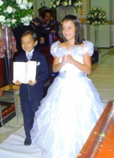 Daminha no casamento do primo.