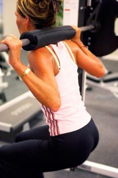 10 different squats to change up your routine & tone your legs & butt