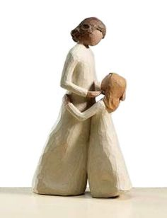 """willow tree """"mother and daughter"""". I need to get this for my daughter. Also need one with a son and mother. Willow Tree Engel, Willow Tree Figuren, Willow Figurines, Willow Statues, Tree People, Trendy Tree, I Love Girls, Mother And Child, Mother Daughters"""