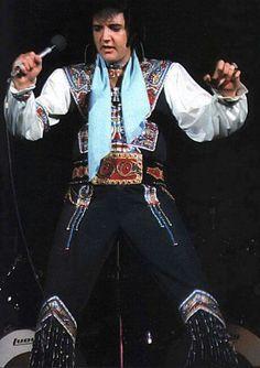 Elvis in Cleveland & Summer Festival Elvis - Live In Cleveland, OH. July Plus the Summer Festival He is wearing his Blue Gypsy Suit. Elvis Presley Concerts, Elvis In Concert, Rock And Roll, Memphis Mafia, Elvis Presley Pictures, Fake Pictures, Thats The Way, Graceland, Most Beautiful Man