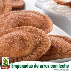Empanadas de Arroz con Leche [Rice Pudding Pies] in Spanish, but yummmmm Mexican Dessert Recipes, Rice Recipes For Dinner, Mexican Dishes, Maseca Recipes, Beef Tapa, I Chef, Western Food, Pan Dulce, Down South
