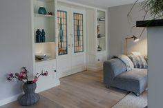 Jaren'30 Stijl Kamer en Suite geplaatst in Elst GLD, kijk eens naar het mooie Glas in Lood.