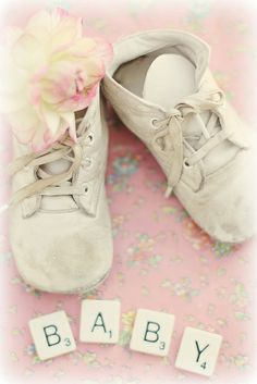 Pretty little baby shoes ✿⊱╮ Little Baby Girl, Little Babies, Baby Love, Bow Sneakers, Fenty Puma, First Baby, Animal Party, Vintage Shoes, Baby Sleep