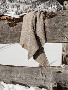Poncho Crochet, Diy 2019, Diy Mode, Triangle Scarf, Knitting For Beginners, Start Knitting, Easy Knitting, Circular Needles, Sock Yarn
