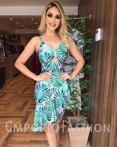 🌴🌞COLEÇÃO VERÃO🌴🌞 Hoje muitas NOVIDADES na loja das 10 às 15h. 😍❤️ . . 👉Vestido: 329,90; 📍Tamanhos: P, M e G. ❌Não fazemos RESERVAS. . . #newcollection #newsemporio #lookemporiofashion #modafeminina #vendasonline #lojavarejo #fashion #style #instafashion #instamoda #lancamento #colecaonova Summer Wedding Outfits, Casual Summer Outfits, Casual Wear, Casual Dresses, Look Fashion, Fashion Outfits, Womens Fashion, Lovely Dresses, African Fashion