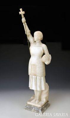 Jean D'arc-ot ábrázoló nagyméretű, finoman megmunkált alabástrom szobor márvány talpon. Magasság: 80 cm