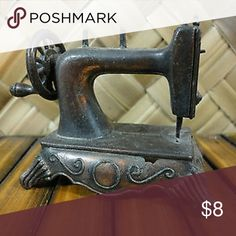 70's Durham IndustriesDoll House Sewing Machine This listing is for a vintage 1970 Durham Industries Inc. copper toned die-cast metal old fashioned Sewing Machine with turning wheel. Originally made for the Holly Hobby doll houses. Pre-Owned and in Excelle Durham Industries Holly Hobby Other