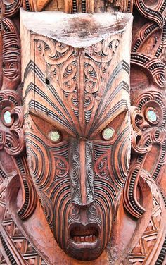 Maori Art, Wood Carving, Rotorua, New Zealand Arte Tribal, Tribal Art, Maori Face Tattoo, Maori Tattoos, Maori People, Polynesian Art, Hawaiian Tiki, Maori Designs, Tiki Art