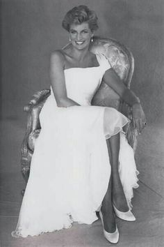 c80314ce76 This is a lovely picture of the late Princess Diana. The white dress looks  great on her and her crossed legs expose her beautiful legs and she looks  ...