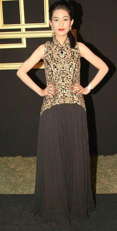 Amrita Rao at Deepika Padukone's bash. #Fashion #Style #Bollywood #Beauty