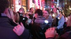 Après deux premières éditions à succès, la galerie de l'Aubette se transforme une nouvelle fois en piste de danse éphémère avec boules à facettes, éclairage disco et slows mythiques pour une « boum » géante au centre-ville, en partenariat avec RFM.  SAMEDI 14 FÉVRIER DE 21H À 1H Strasbourg, Boutique, Centre, Concert, Slow, Philippe, Fictional Characters, Party, Disco Ball