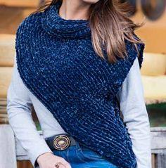 Mais Uma Linda Sugestão Para a Estação Mais Fria do Ano! Um Modelo de Blusa diagonal com um efeito de Colete. Simplesmente Lindo - Con... Diagonal, Crochet Clothes, Knitted Hats, Turtle Neck, Knitting, Sweaters, How To Make, Woman, Fashion