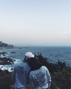 Couple Goals Bucket Lists - To travel like this with him! ❤ This is so cute  the king his queen matching sweatshirts hoodies. c98f22518
