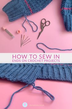 Learn how to weave in yarn ends on your crochet project so they can't be seen and don't pop out. Tips on when to sew them in and how to minimise them. Beginner Crochet Tutorial, Crochet For Beginners Blanket, Crochet Tutorials, Crochet Videos, Crochet Projects, Crochet Stitches, Crochet Patterns, Magic Knot, Invisible Stitch