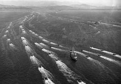 Landing boats loaded with U. soldiers speed through the mine-infested waters of Wonsan harbor toward the North Korean east coast city on Oct. soldiers and Marines hit the beach to bolster Allied forces driving toward the Manchurian border. United Nations Security Council, Troops, Soldiers, Military Personnel, Korean War, Historical Pictures, North Korea, Old Pictures, East Coast
