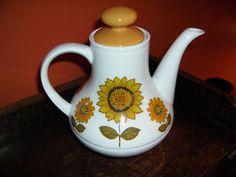 Alfred Meakin 1960's Sunflowers Teapot