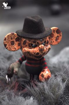 'Mickey Mouse meets Freddy Kruger', kiddo x disney arttoy on Behance
