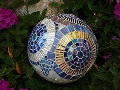 """Garden ball """" Blues"""" 20cm diameter by Mosaikstall, via Flickr Mosaic Bowling Ball, Garden Globes, Garden Balls, Mosaic Garden, Mosaic Projects, Beautiful Gardens, Blues, Diy Crafts, Quilts"""
