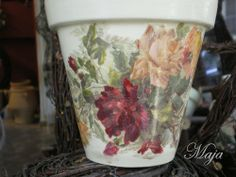 Flower pot with decoupage and easy painting ~ Γλάστρα με decoupage και easy painting