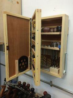 El armario para los instrumentos #woodworkingtools #WoodworkIdeas